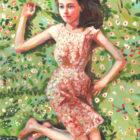 נערה על מיטת פרחים